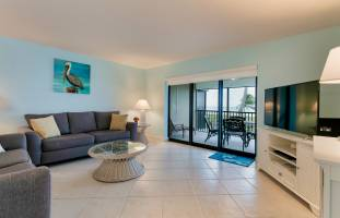 Sanddollar B204 living room